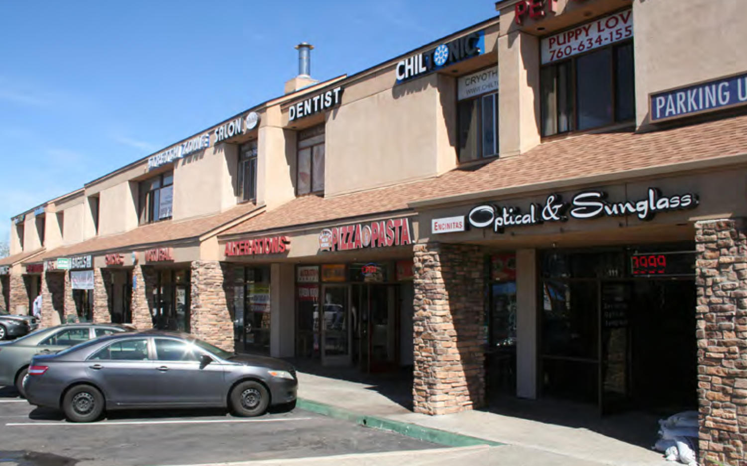 El Camino Square, located in Encinitas, recently sold for $12.2 million. The commercial center is home to longtime local eateries such as Chick's Natural and Garden State Bagels. (Colliers International photo)