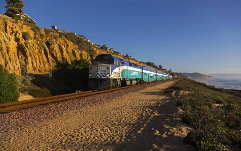 A Coaster commuter train travels along the coast of Del Mar. (Autumn Sky Photography, iStock Getty Images)
