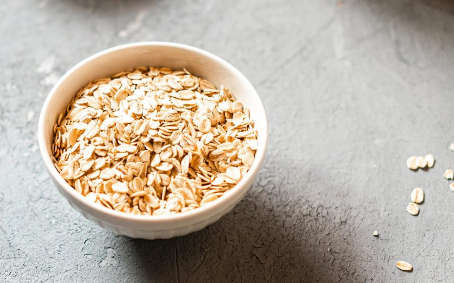 Oats.+%28Photo+by+Anshu+A%2C+Unsplash%29