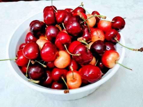 Start with fresh cherries. (Photo by Laura Woolfrey Macklem)